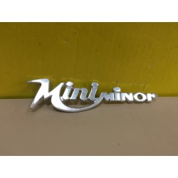 Mini minor logo scritta stemma in metallo bomisa 1969 originale old badge